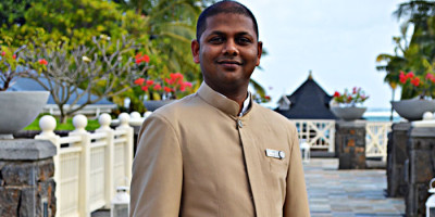 "Jayraj Chuttooree, concierge at Heritage Le Telfair, receives the ""Clefs d'Or"" distinction"